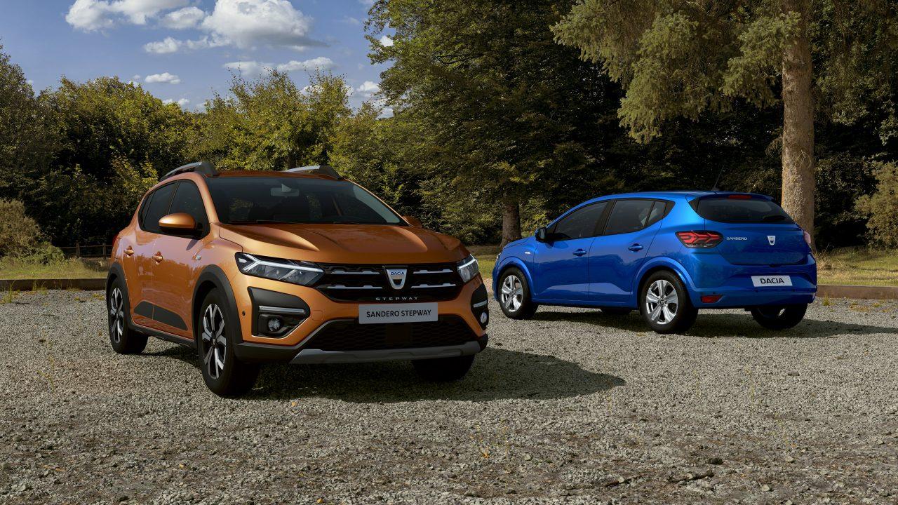 Dacia Sandero en Dacia Sander Stepway voor- en achteraanzicht